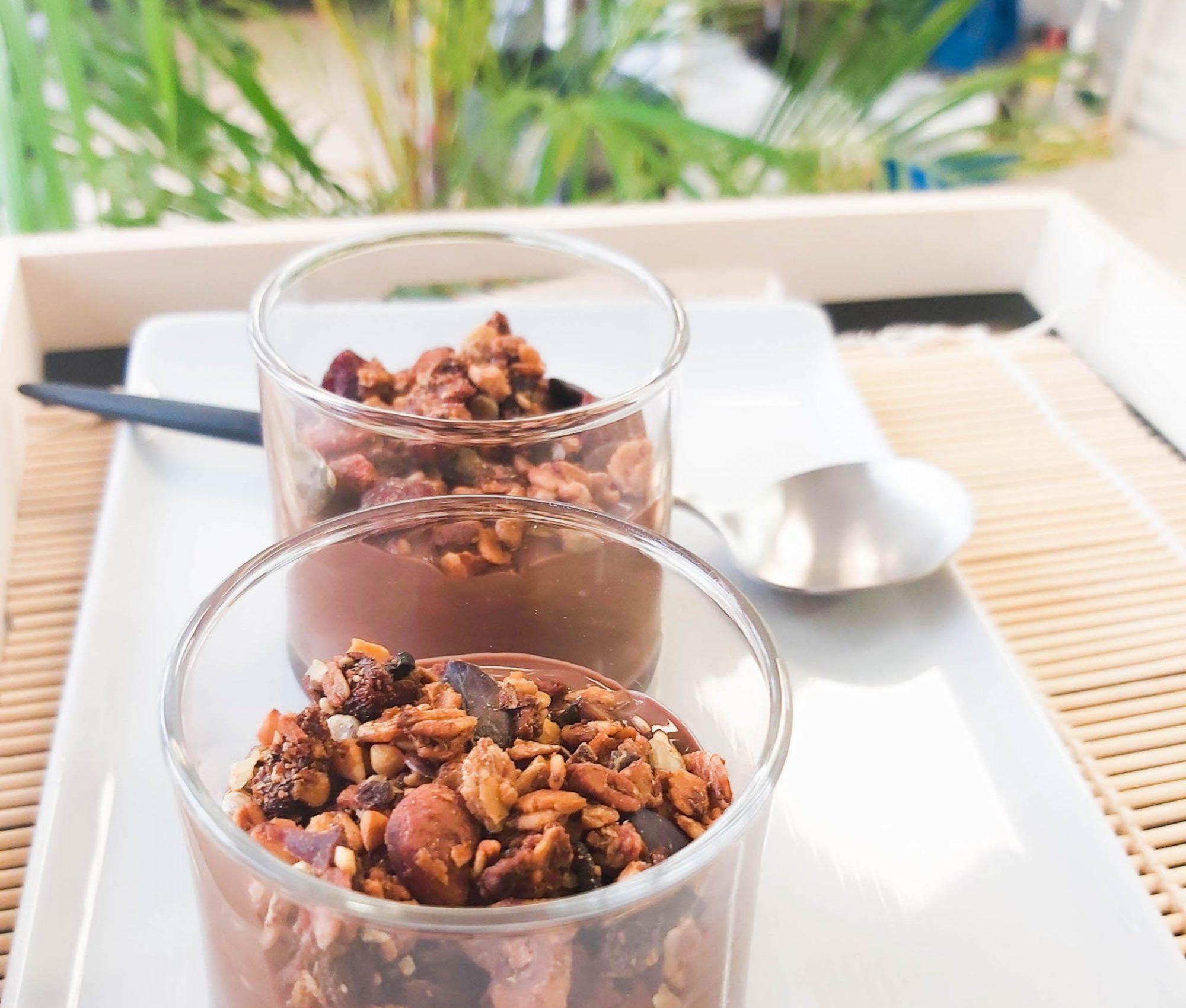 Image for Verrine au chocolat et granola maison